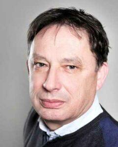 na zdjęciu prof. dr hab. Henryk Ożóg - wykładowca PWSW