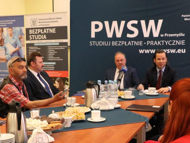 Uczestnicy śniadania prasowego PWSW w Przemyślu